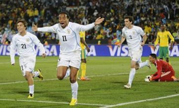 Chelsea and Spurs 'in battle for Alvaro Pereira transfer'