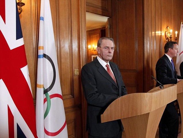 Jacques Rogge (l) and David Cameron