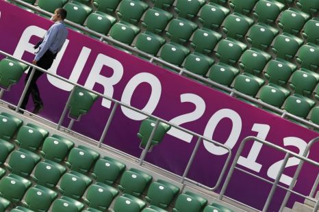 William Hague's partial Euro 2012 veto draws thin line between grand-standing and glory-hunting