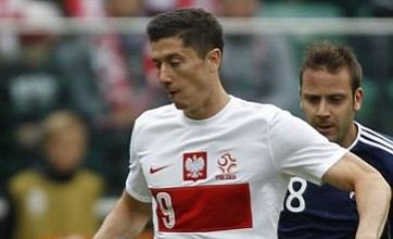 Robert Lewandowski set for Manchester United transfer, says Poland coach