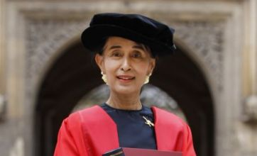 Aung San Suu Kyi returns to Oxford University to collect doctorate