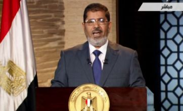 Egypt: President-elect Mohammed Morsi moves into Hosni Mubarak's office