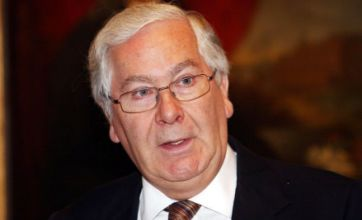 Sir Mervyn King seeks investigation into RBS and NatWest IT meltdown