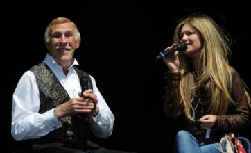 Sir Bruce Forsyth ushers in a Smile with family show at Hop Farm Festival