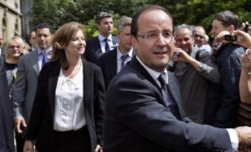 Francois Hollande tells family to settle differences in private