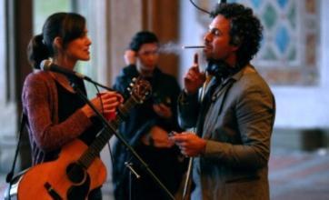 Keira Knightley shows off new guitar skills with Mark Ruffalo