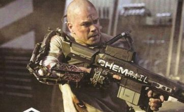 Matt Damon takes on robot fighter in new Elysium clip