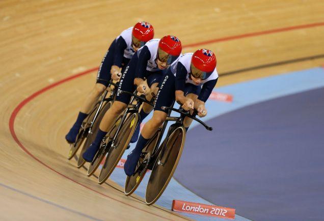 The women's pursuit team