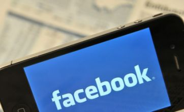 Facebook sets out plans to put adverts in users' newsfeeds