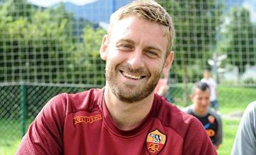 Daniele De Rossi snubs Manchester City to stay at Roma