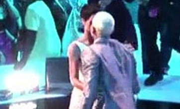 Rihanna kisses Chris Brown and Katy Perry picks up the pieces at the VMAs