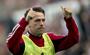 Michael Owen gives Twitter updates on burglar trying to break into house