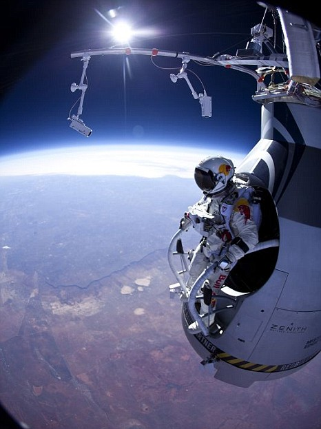 Felix Baumgartner, record, NEw MExico.