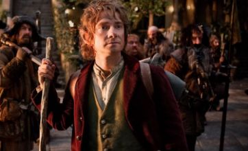 The Hobbit beats Jack Reacher to stay No. 1 at US box office for second week