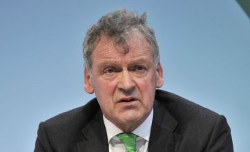 Tory MP Glyn Davies sparks anger with 'kill deer with a shotgun' tweet