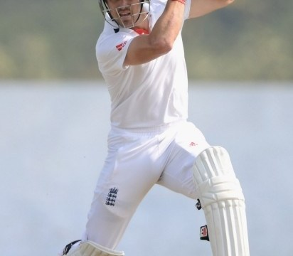Nick Compton pays tribute to 'clinical' captain Alastair Cook