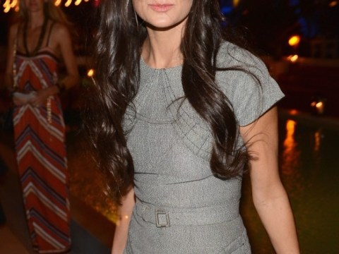 Demi Moore hoping for 'large pay-out' from Ashton Kutcher as former couple failed to sign pre-nup
