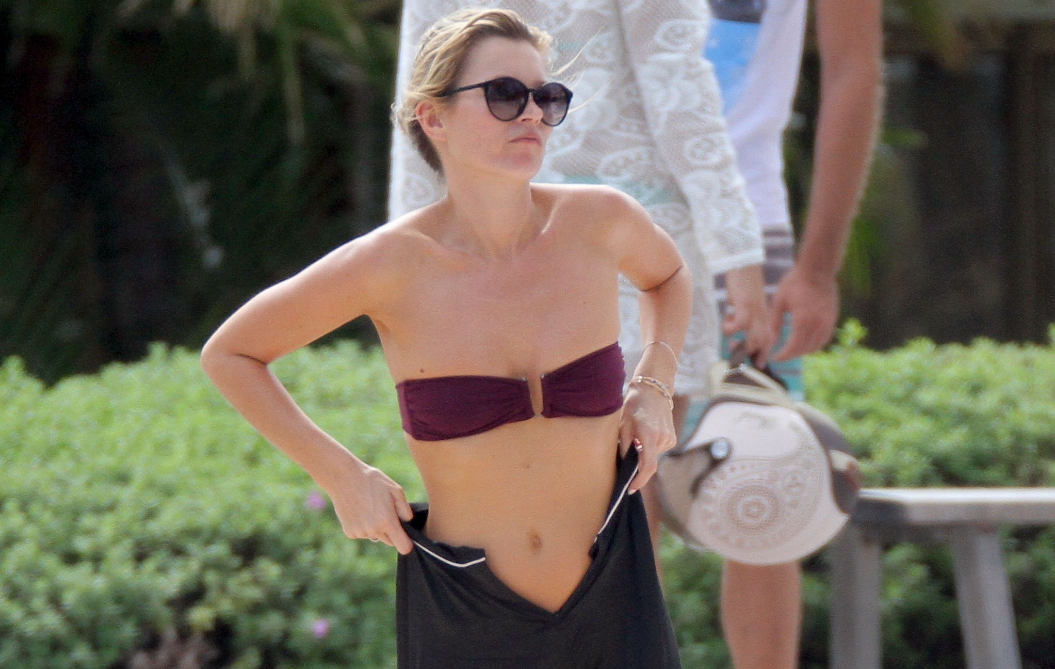 Kate Moss gets frisky with husband Jamie Hince on romantic Carribean getaway