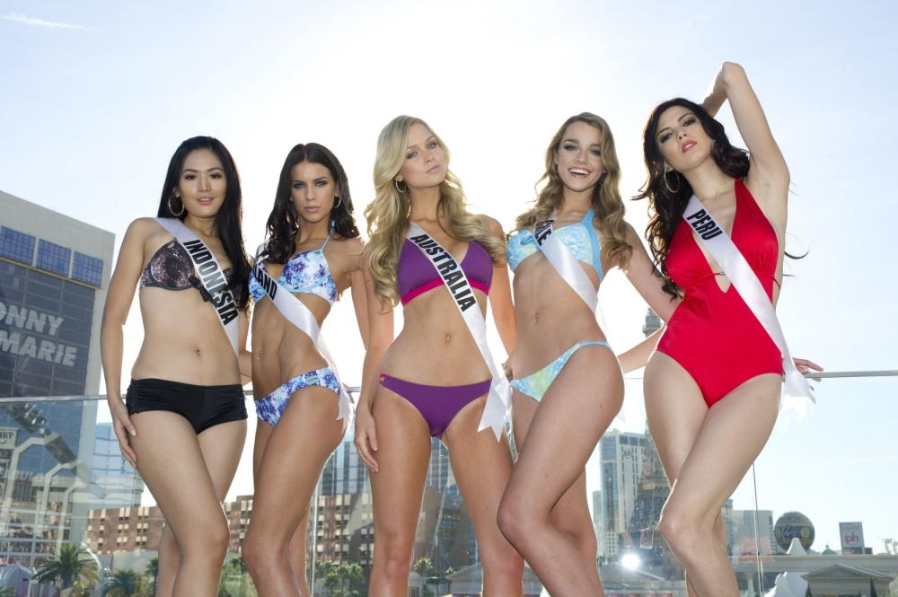 Miss Universe 2012 swimsuit rehearsals   Metro UK