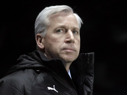 Shola Ameobi urges Newcastle fans to get behind manager Alan Pardew