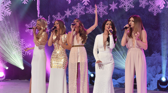 Girls Aloud perform on the Top Of The Pops Christmas edition (Picture: GirlsAloudMedia.com)
