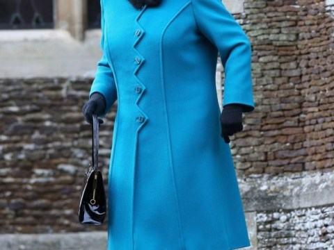 Queen greeted by 1,000 at Sandringham Christmas Day church service