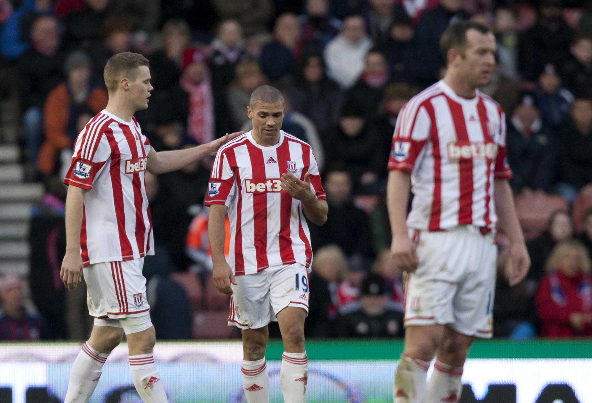 Jonathan Walters scores two own goals and misses penalty as Chelsea crush Stoke