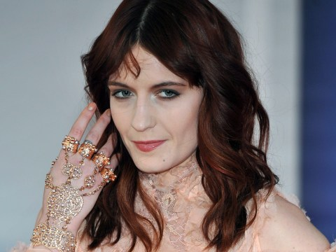Florence Welch performs Kendrick Lamar's Backseat Freestyle on packed London Tube