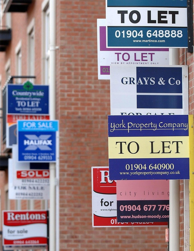 Rent rises halved in 2013 with the South East facing the sharpest monthly drop
