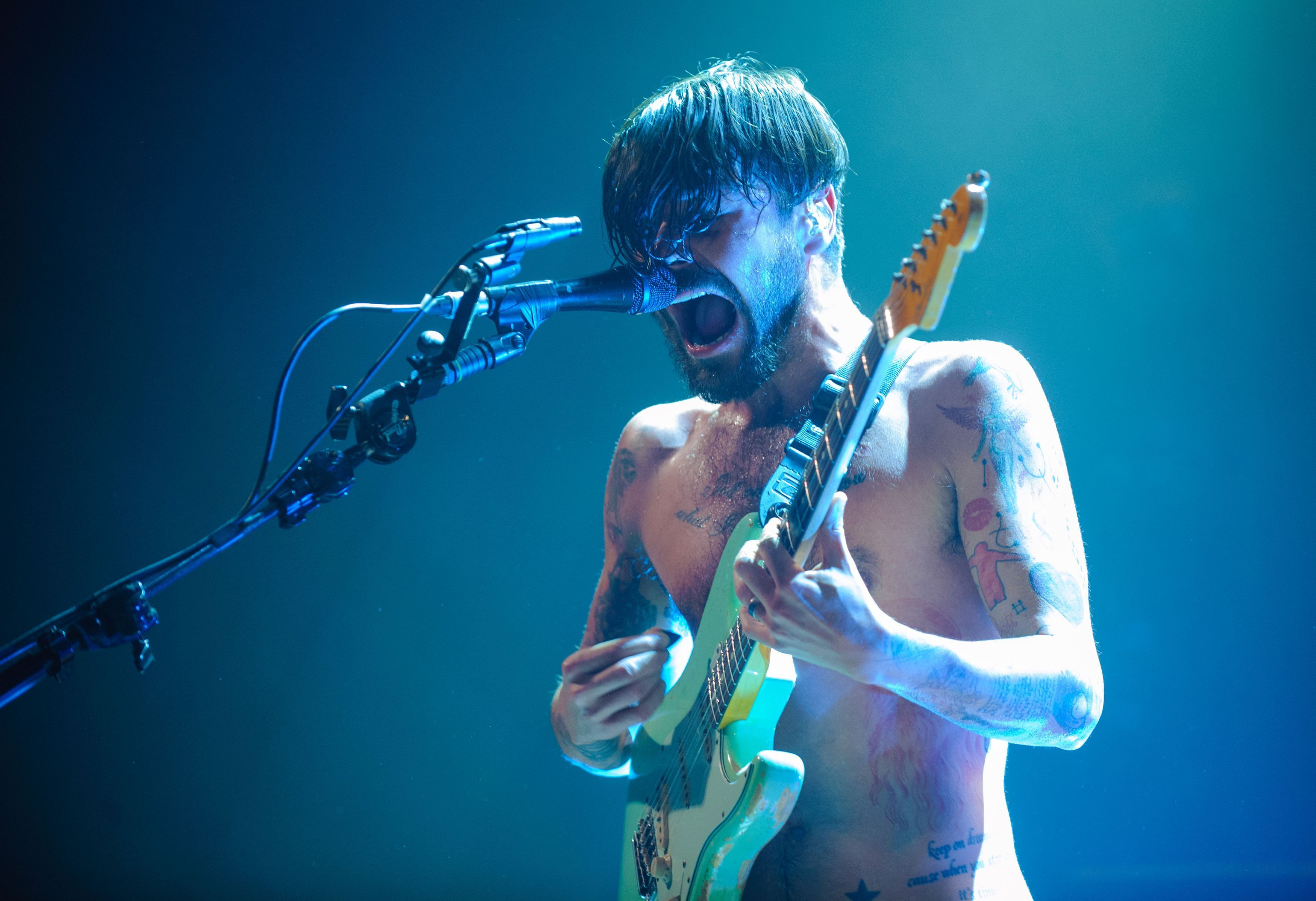Biffy Clyro to join Eminem as Reading and Leeds 2013 headline act