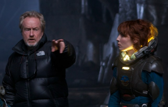 Noomi Rapace chats with Ridley Scott (Picture: 20th Century Fox)