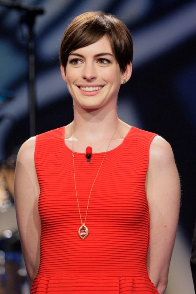 Anne Hathaway booed at Baftas