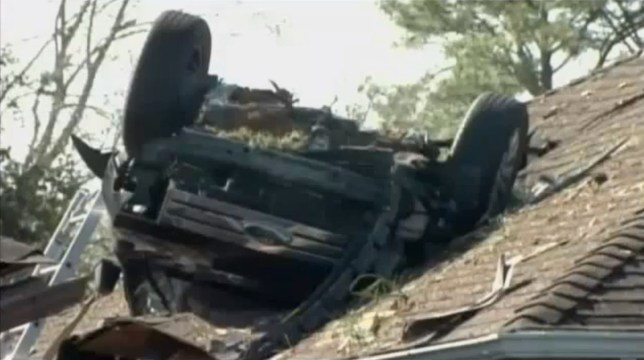 Car crash-lands on top of house in Texas | Metro News