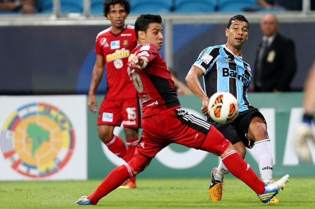 Andre Santos (right) is ready to join Gremio on a permanent basis (Picture: Getty)