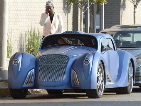 Will.i.am turns heads with custom-built Dick Tracey tribute car