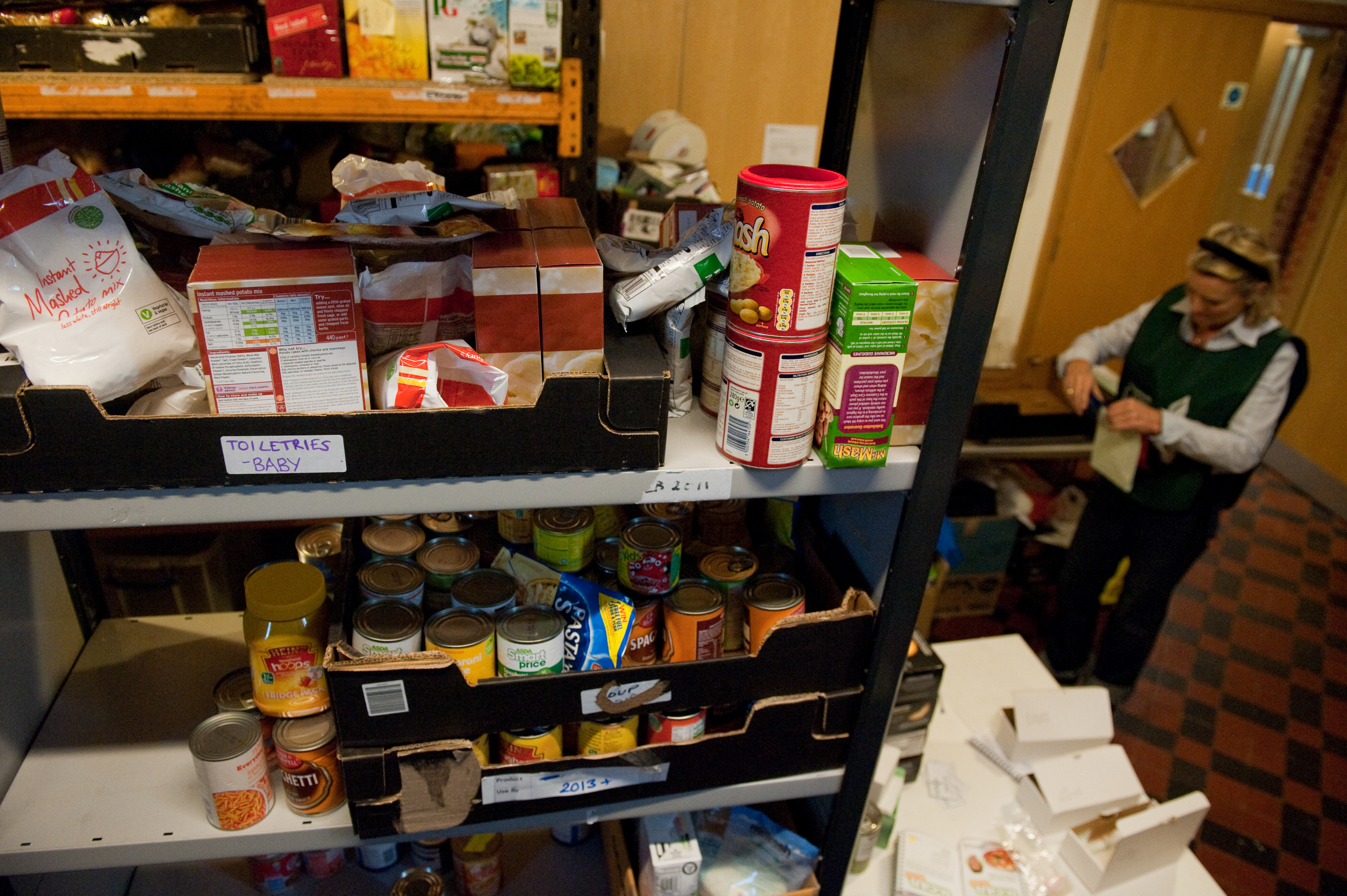 Families too poor to heat up food given by charity