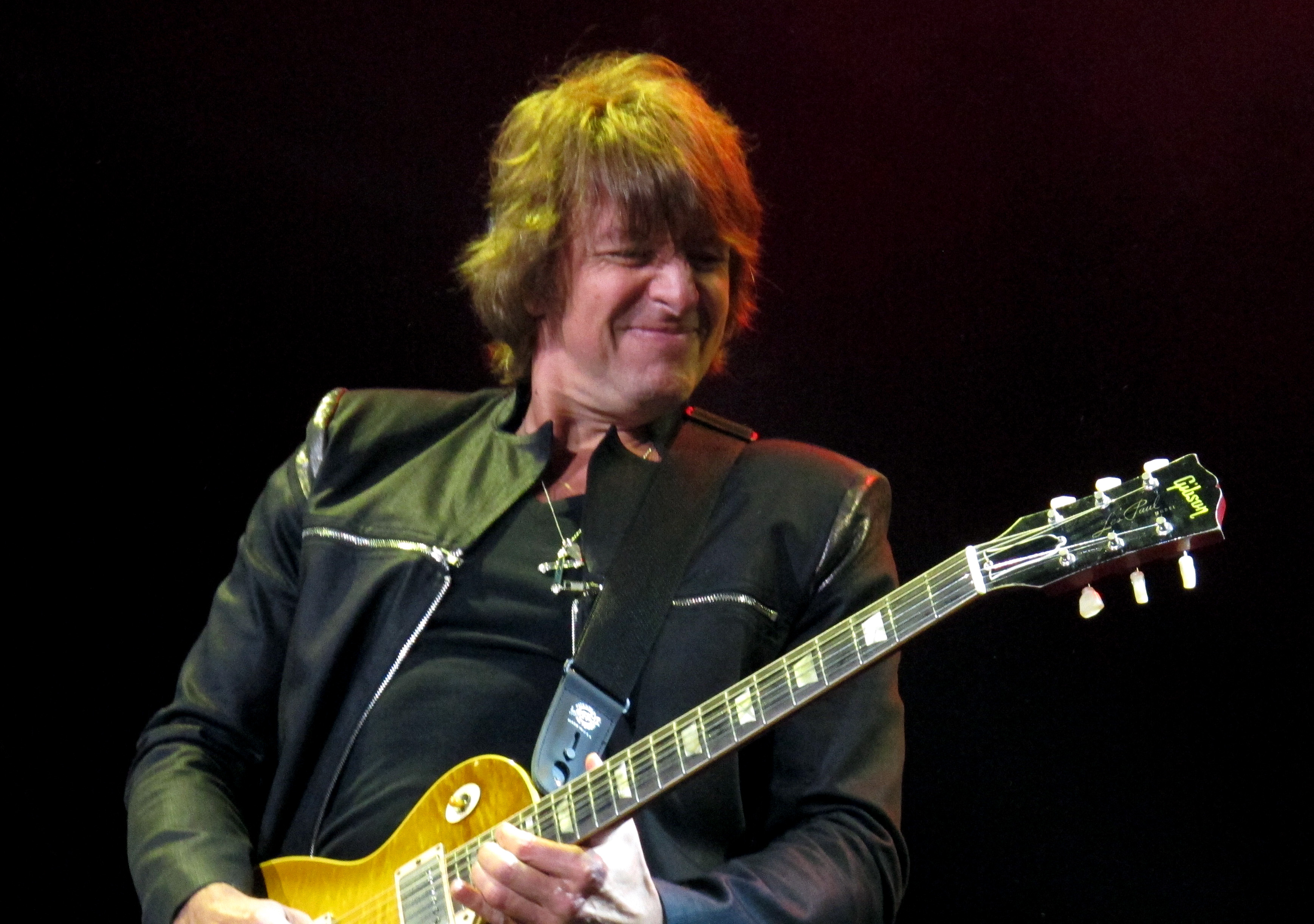 Richie Sambora quits Bon Jovi tour for 'personal issues'