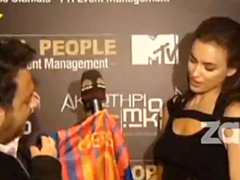 VIDEO: Cristiano Ronaldo's girlfriend Irina Shayk refuses to cut up Lionel Messi shirt