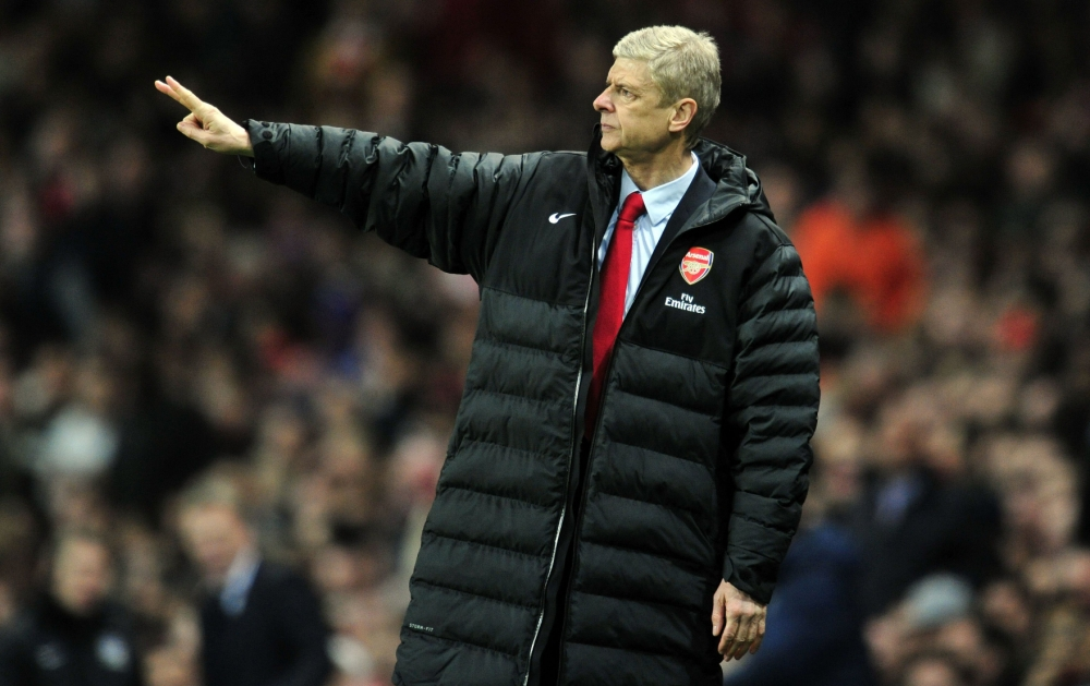 Arsene Wenger calls for Arsenal to step up to the plate against Manchester United