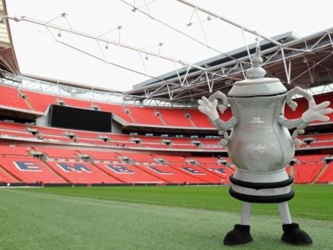 The FA Cup mascot set to join London Marathon runners
