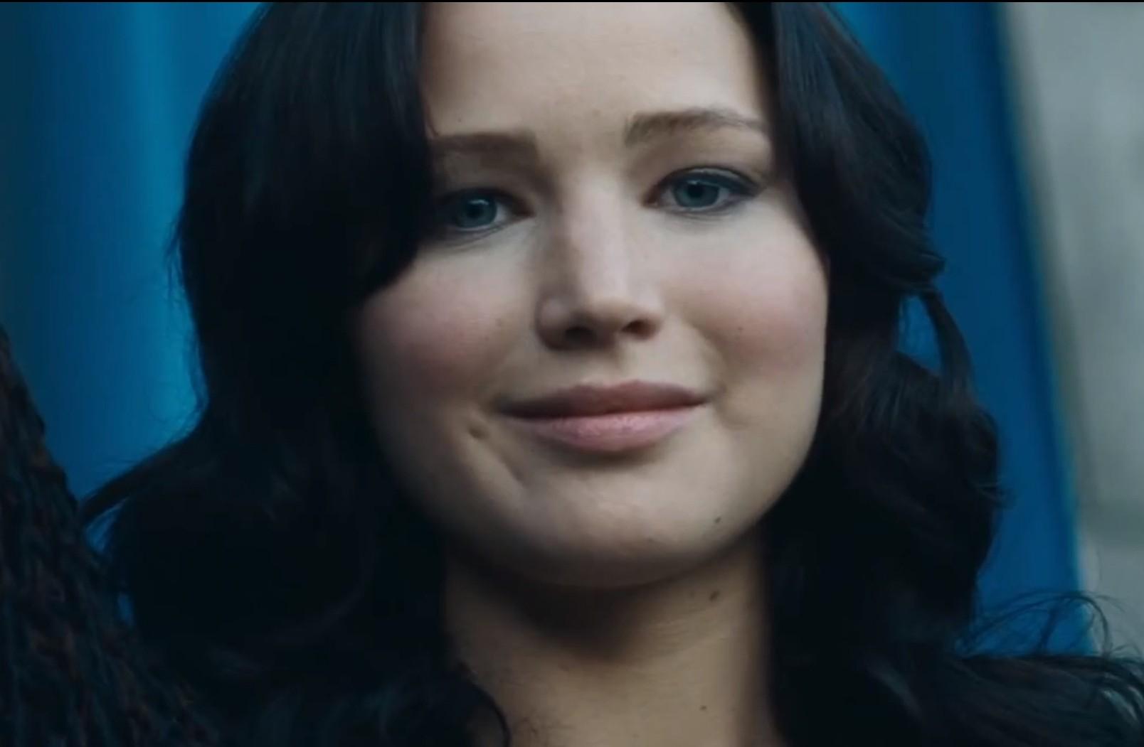 Hunger Games: Catching Fire teaser reveals sneak peek of new trailer