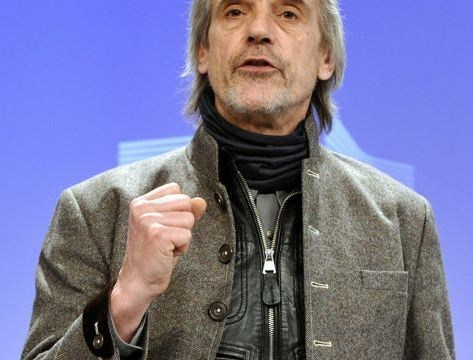 Jeremy Irons: Gay marriage could lead to fathers marrying their sons to avoid tax