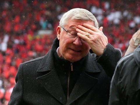 Sir Alex Ferguson tells Manchester United crowd to get behind David Moyes