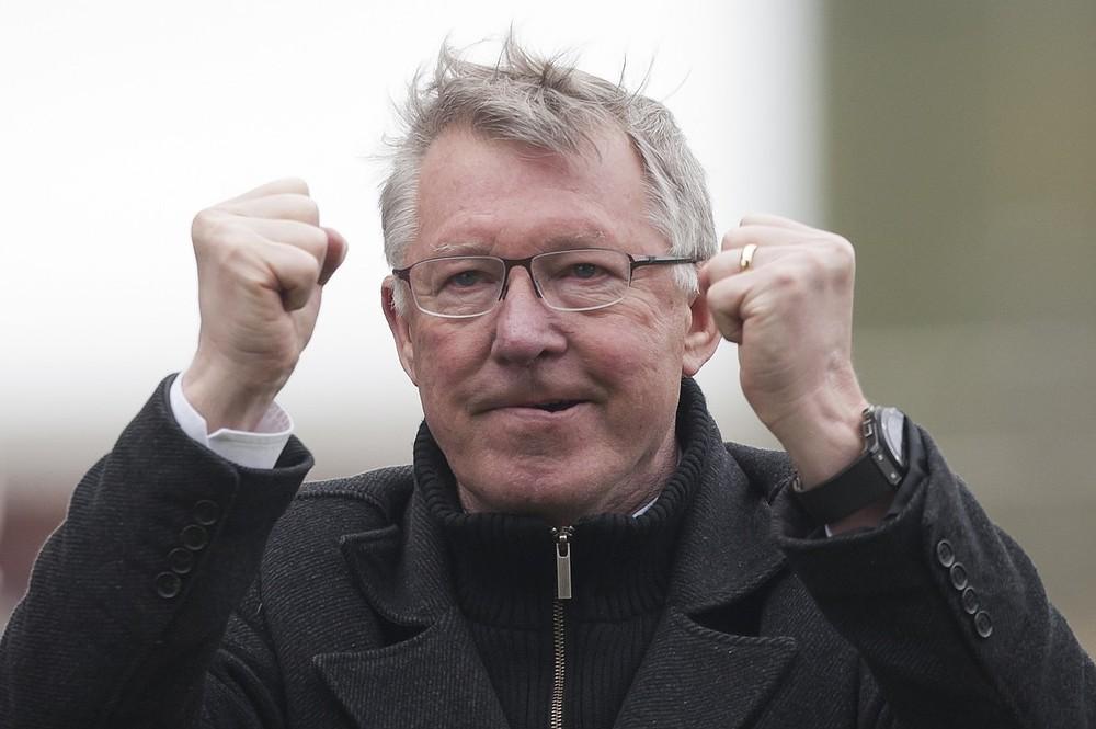 Labour politicians thank Sir Alex Ferguson for scuppering Queen's Speech coverage