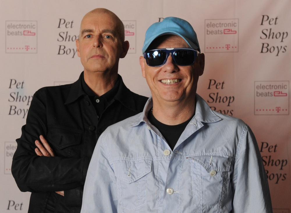D6C6E1 Neil Tennant (L) and Chris Lowe of the British electronic dance music duo Pet Shop Boys pose for photographs during the presentation of their new album 'Elysium' in Berlin, Germany, 04 September 2012. Photo: Britta Pedersen