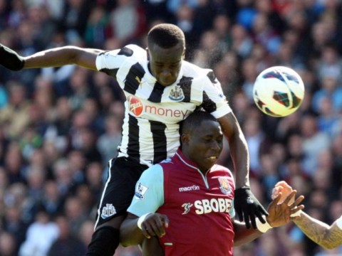 Cheick Tiote opts for gloves in scorching sunshine of Newcastle's hottest game of season
