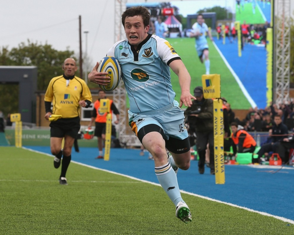 BARNET, ENGLAND - MAY 12:  Jamie Elliott of Northampton breaks clear to score a try during the Aviva Premiership semi final match between Saracens and Northampton Saints at Allianz Park on May 12, 2013 in Barnet, England.  (Photo by David Rogers/Getty Images)