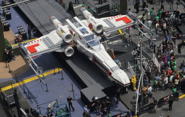 Lego Star Wars X-Wing Starfighter becomes largest ever model