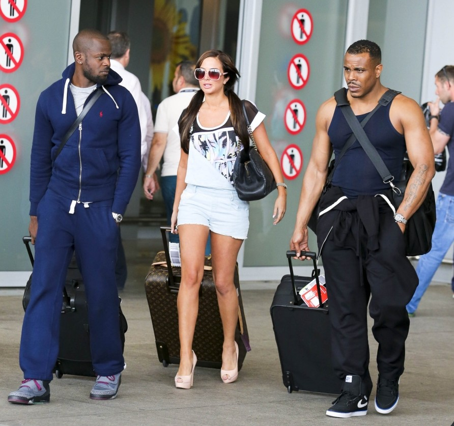 Tulisa Contostavlos touches down in Marbella following 'amicable' Danny Simpson split