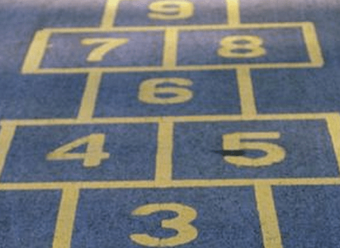 Police warn girl, 10, over drawing hopscotch grid with chalk